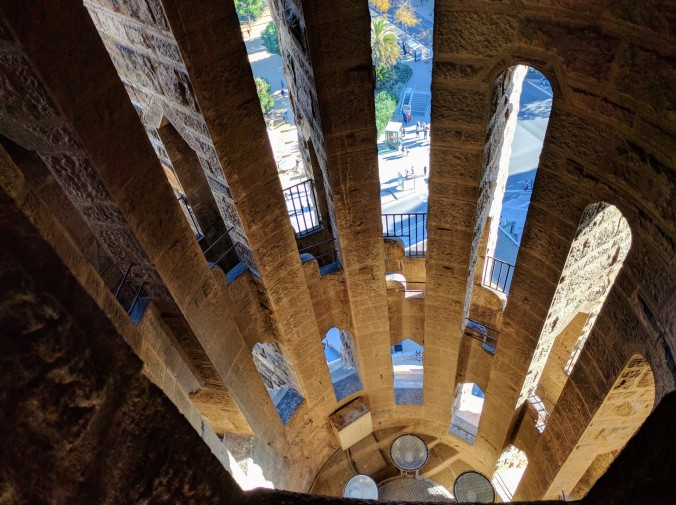 barcelona-weekend-sagrada-familia-tower-stairs-vertigo